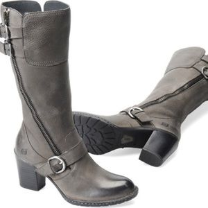 Born Treddy buckle leather boots gray
